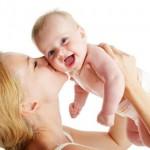 boldog anya és gyermek